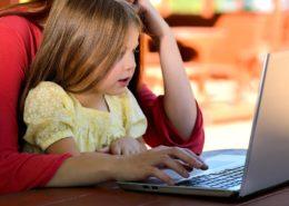 Ecole et travail à la maison, Chuck Underwood de Pixabay