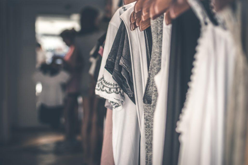 Accompagnement pour organiser un dressing